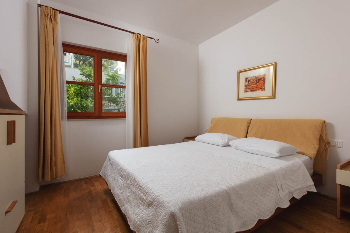 Double-bedded room