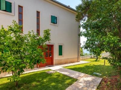 Garden and villa entrance